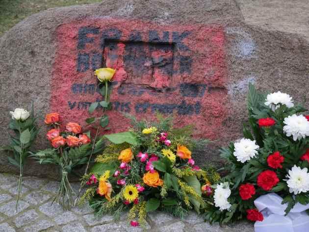 170208-boettcher-gedenkstein